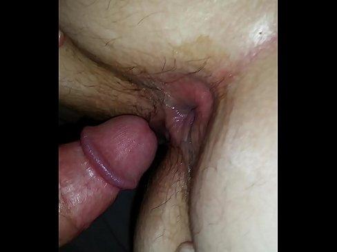 Stront aan zijn lul na het anale neuken van haar reet